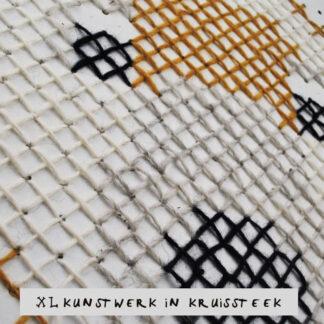 Workshop XL kunstwerk in kruissteek op pegboard