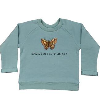 Kindersweater met vlinder. Uitgevoerd in een mooie zeegroene kleur. Bovendien van biologisch katoen en super zacht!