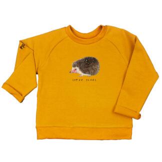 Oker sweater met egeltje van GOTS gecertificeerd katoen. Zacht en warm voor kinderen van 2-6 jaar