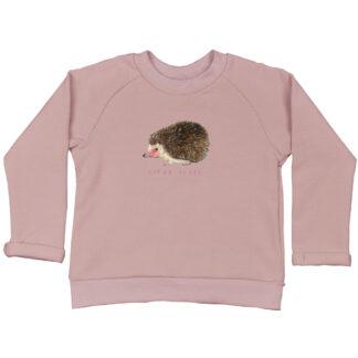 Roze sweatertje met egeltje. van GOTS gecertificeerd katoen. Illustratie van atelier Pjut.